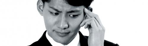 緊張で声が震えたり汗が大量に出る。あがり症とは?