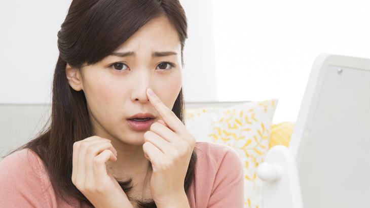 【ニキビ薬で鼻の黒ずみ除去】皮膚科医も推すイチゴ鼻を簡単に治す方法